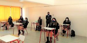 Estudiantes del Liceo Mixto San Felipe manifiestan sentirse seguros en el regreso a las clases presenciales