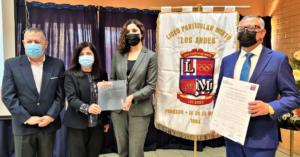 Liceo Mixto Los Andes recibe placa dereconocimiento en su calidad de Establecimiento Bicentenario